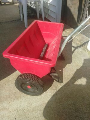 Seed spreader for Sale in St. Louis, MO