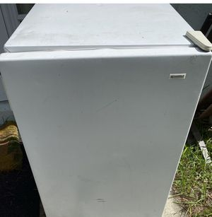 Kenmore mini freezer. Minor Scratches, but runs great. for Sale in Melbourne, FL