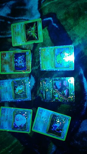 Pokemon Evolutions 63 Card Lot 7 Foil's, Rares Collectable NM Condition for Sale in Kearns, UT