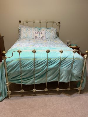 Antique full size rod iron bed for Sale in Shadeland, IN