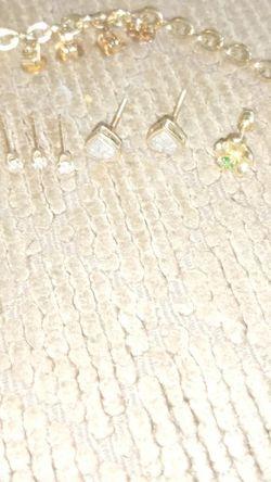 Diamond & Emerald Earrings & Bracelet for Sale in Bonney Lake,  WA