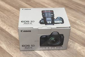 Brand New Canon EOS 5D Mark IV DSLR Full Frame Camera (Body Only) for Sale in Hayward, CA