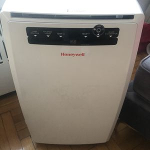 Honeywell AC and Humidifier for Sale in New York, NY