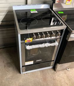 Magic chef MCSRE24S CL8N for Sale in Los Angeles,  CA