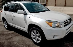 Economy car 2006 TOYOTA RAV4 New battery for Sale in Sacramento, CA