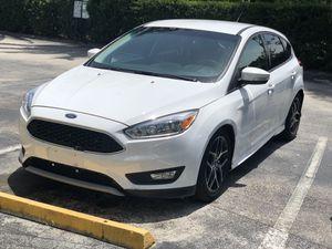 2015 Ford Focus hatchback for Sale in Orlando, FL