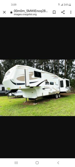 2011 Fox Valley 3 slides 33 ft fifth wheel for Sale in Land O Lakes, FL
