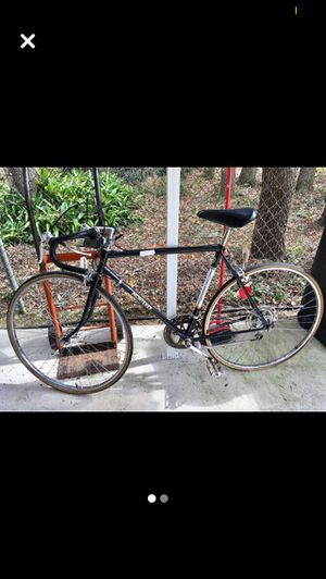 Black and Red Road Bike for Sale in Avon Park, FL
