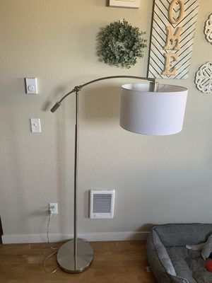 3 Setting Arch Floor Lamp for Sale in Hillsboro, OR