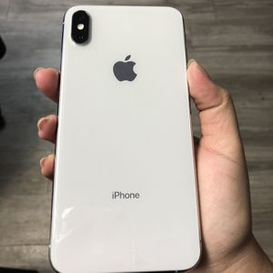 iPhone XsMax 256gb FACTORY UNLOCKED for Sale in Dallas, TX