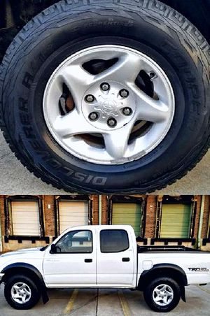 $1,4OO I'm selling urgentl 2OO4 Toyota Tacoma. for Sale in North Lewisburg, OH