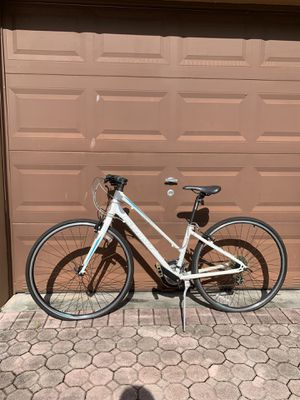 Woman's bike for Sale in Hialeah, FL