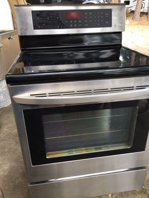 Lg stove and Maytag dishwasher for Sale in Hillsboro, OR