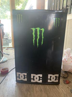 Mini fridge for Sale in Riverside, CA