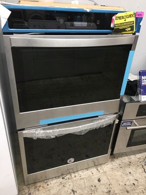 """Whirlpool 30"""" double oven stainless steel with WiFi for Sale in Los Angeles, CA"""