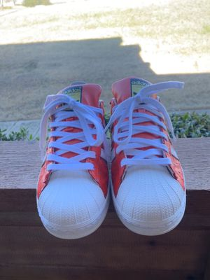 Adidas Superstar Reds size 9 for Sale in Dallas, TX