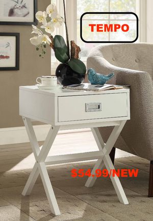 Stylish End Table with One Drawer, White for Sale in Westminster, CA