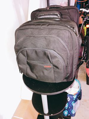 Laptop bags (2 roll away and 1 should bag) for Sale in Ashburn, VA