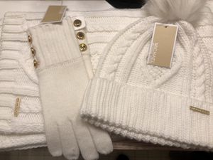 Brand New with Tags!! Michael Kors Scarf, Hat & Gloves for Sale in Marysville, WA