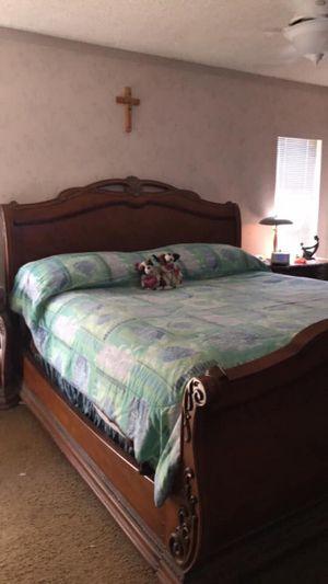 King Bedroom Set for Sale in Riverview, FL