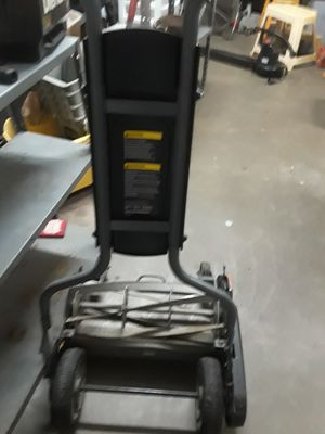 18-20 in manual lawn mower for Sale in St. Louis, MO