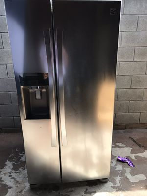 Kenmore Elite Side by side 33 inch wide refrigerator for Sale in Santa Ana, CA