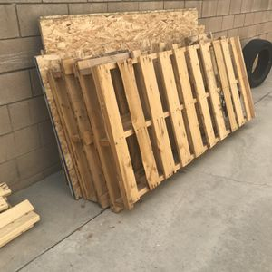 Pallets And OSB for Sale in Claremont, CA
