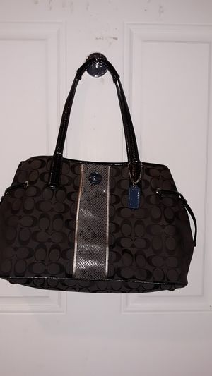 coach purse in good condition for Sale in Federal Way, WA