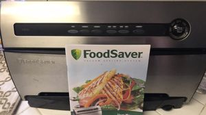 FoodSaver V3835 w accessories and bags for Sale in Fresno, CA