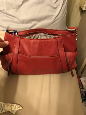 Small to medium purse. Several pockets. Great condition. for Sale in Deatsville, AL