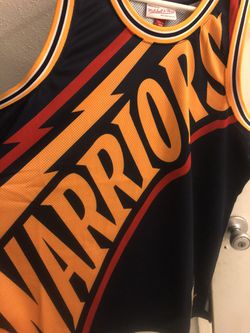 Mitchell &ness Size Large Warriors Big Face Jersey for Sale in Santa Ana,  CA