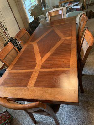 Dinning room table set for Sale in Frostproof, FL