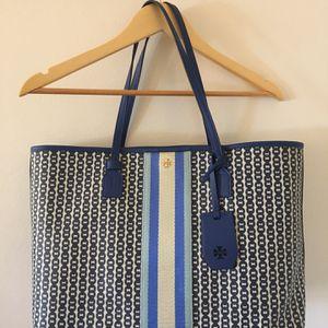 Tory Burch Gemini Link Tote bag for Sale in Fairfax, VA