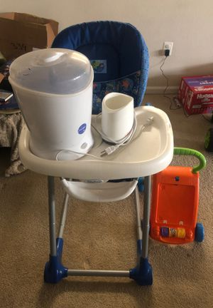 Adjustable Hight chair for baby from baby trend for Sale in Alexandria, VA