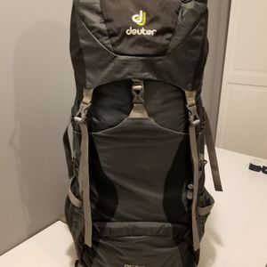 Dueter ACTlite 50+10 Hiking Backpack for Sale in Waukegan, IL