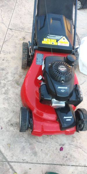 Lawn mower all-wheel drive powered by Honda motor very good condition $220 for Sale in Los Angeles, CA