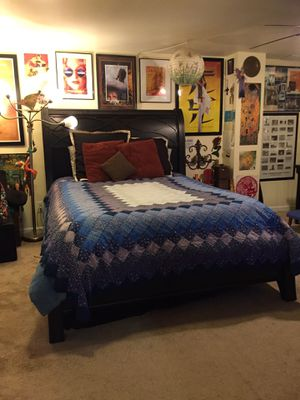 Beautiful Bed Frame for Sale in St. Louis, MO