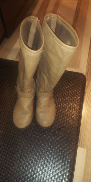 Girls boots size 1 and 2 for Sale in Addison, IL