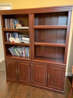 2 beautiful bookshelves like new for Sale in Pembroke Pines, FL