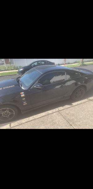 2011 FORD MUSTANG (NEEDS MOTOR) for Sale in Philadelphia, PA