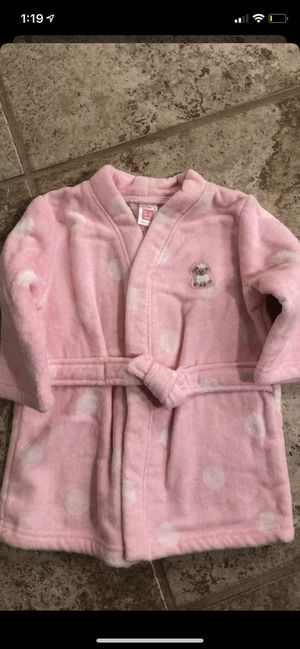 Girl size 0-9 months smoke and pet free for Sale in Taunton, MA