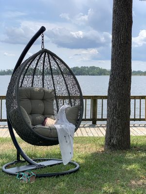 BRAND NEW LUXURY EUROPEAN IMPORTED SWING CHAIR for Sale in Raleigh, NC