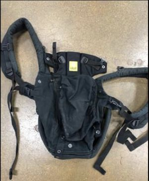 Lille baby infant sling carrier for Sale in St. Louis, MO