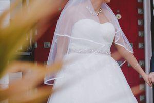 Wedding veil for Sale in Miami, FL