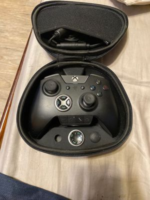 Raser Xbox pro controller for Sale in Westminster, CA
