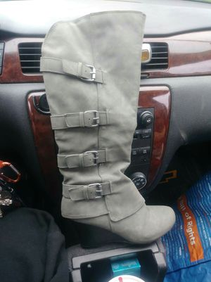 Woman's boot for Sale in Washburn, IL