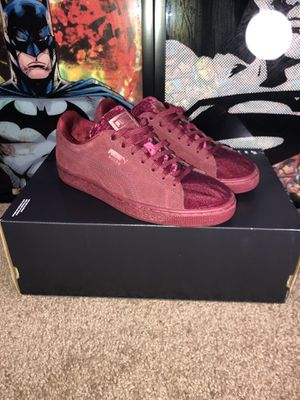Puma Suede Burgundy Size 7 1/2 for Sale in Orlando, FL