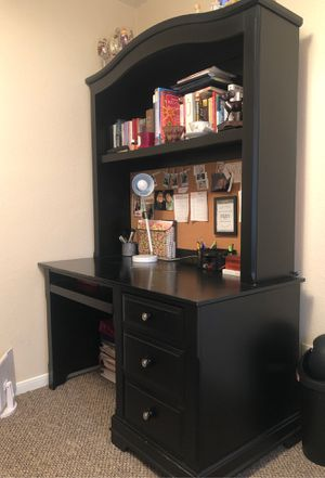 Black desk for Sale in Pearland, TX