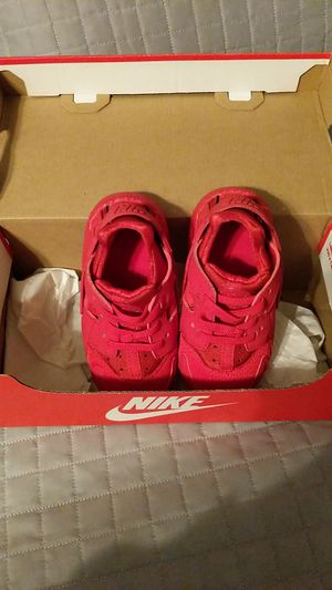 Baby Nike Huaraches for Sale in Atlanta, GA