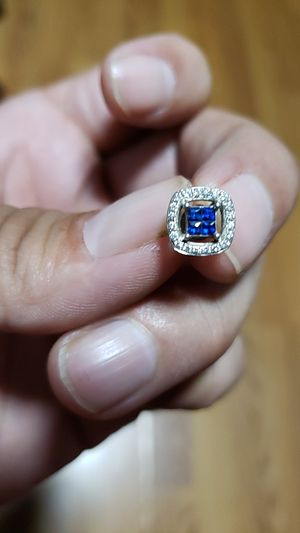 Blue saphire earing with diamonds for Sale in Los Angeles, CA